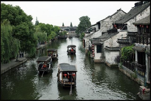 中国首批历史文化名镇,国家aaaa级旅游风景区,最具水乡魅力影视基地.