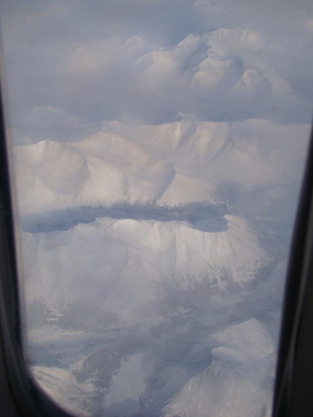 窗外的雪山应该是隔开亚欧的乌拉尔山.