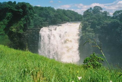 忘不了维多利亚大瀑布;忘不了津巴布韦;忘不了没有沙漠的南部非洲