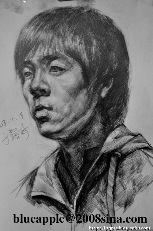 09年蓝苹果美术高考部高三学生素描头像写生作品展示