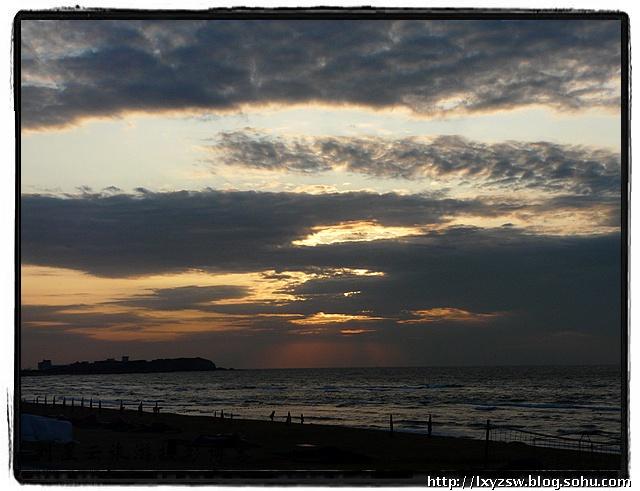 唯美的海边晚霞与朝霞