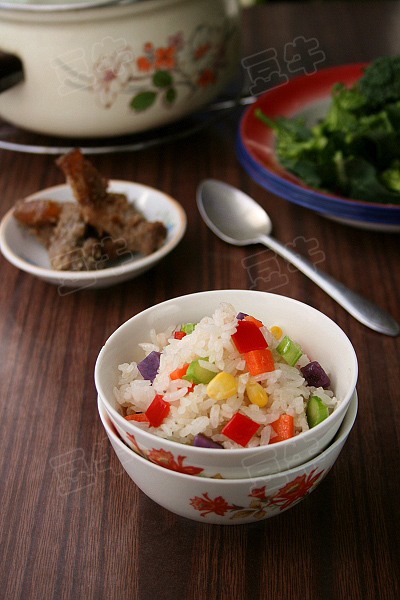 什锦素炒饭的做法 什锦素炒饭的做法做法 什锦素炒饭的做法怎么做好吃