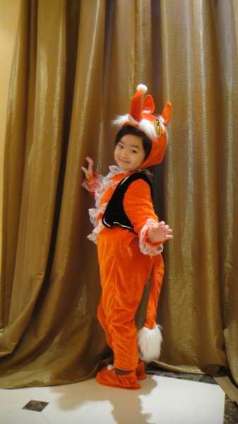 小狐狸期待万圣节狂欢party!