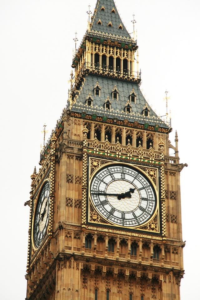 英国伦敦著名古钟或称大本钟(big ben),即威斯敏斯特宫报时钟